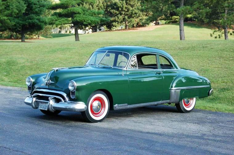 Front Left Green 1949 Oldsmobile 88 Car Picture