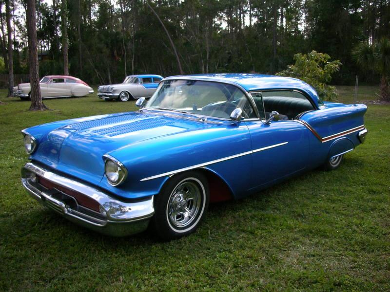 Front Left 1957 Oldsmobile Eighty-Eight Car Picture