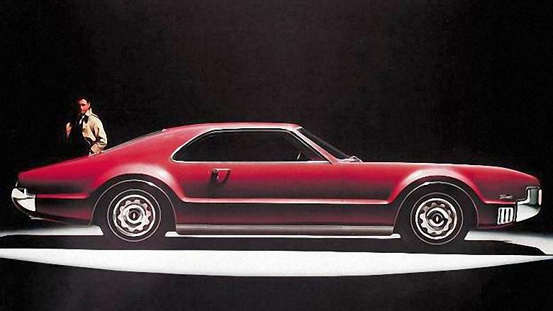 Front Right 1966 Oldsmobile Toronado Car Picture