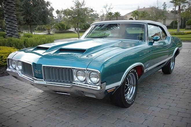 Front Left Green 1977 Oldsmobile 442 SS Car Picture