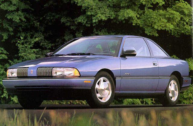 1992 Oldsmobile Achieva Car Picture