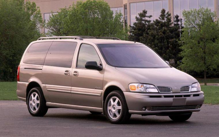 Front Right Gray 2001 Oldsmobile Silhouette Van Picture