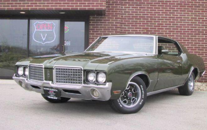Front left Green 1972 Oldsmobile Cutlass Car Picture