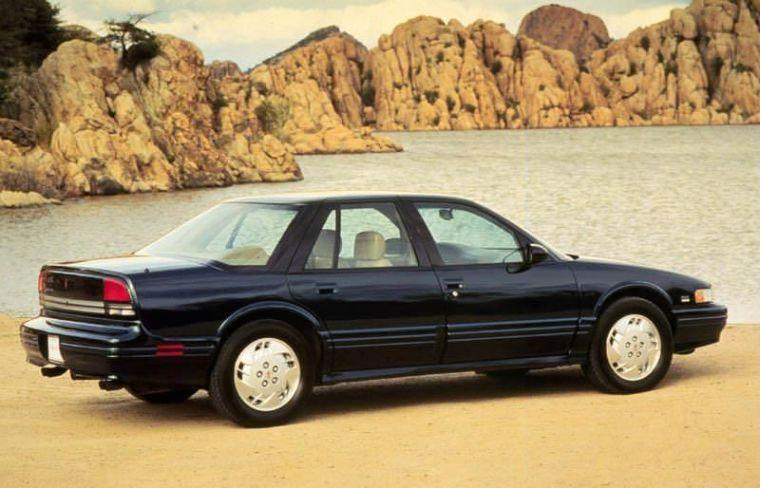1996 Oldsmobile Cutlass Supreme Car Picture