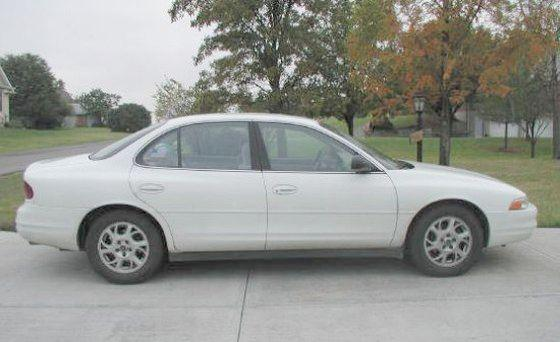 2000 Oldsmobile Intrigue Car Picture