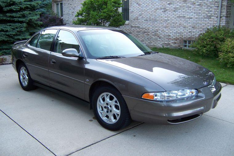 2002 Oldsmobile Intrigue Car Picture