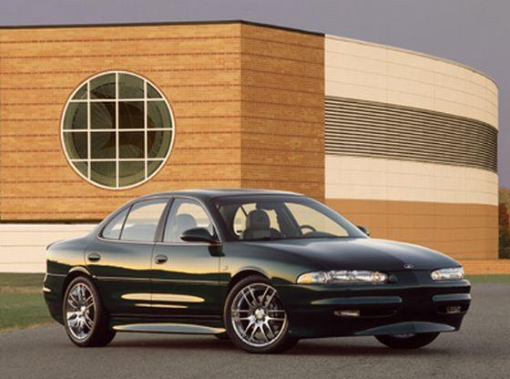 Front Right Black 2004 Oldsmobile Aurora Car Picture