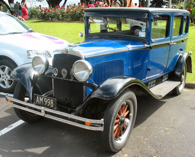 Front Left 1928 Plymouth Model Q Car Picture