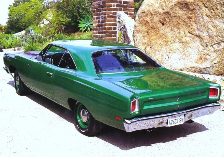 Rear Left Green 1969 Plymouth Road Runner Car Picture