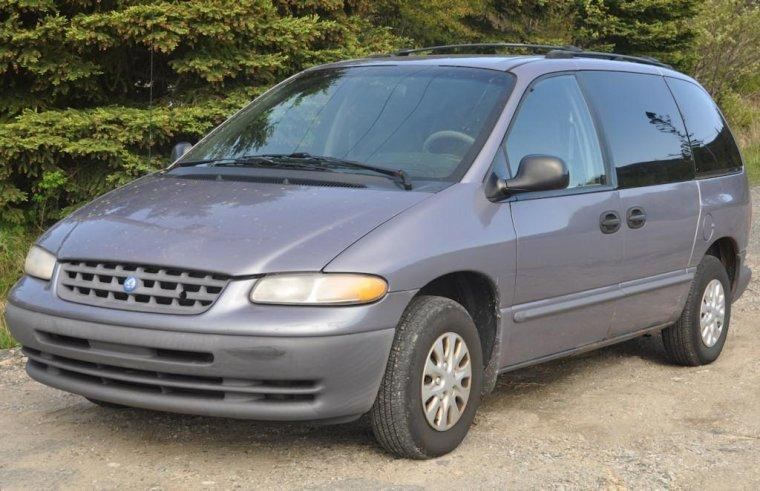 Front Left 1997 Plymouth Voyager Minivan Picture