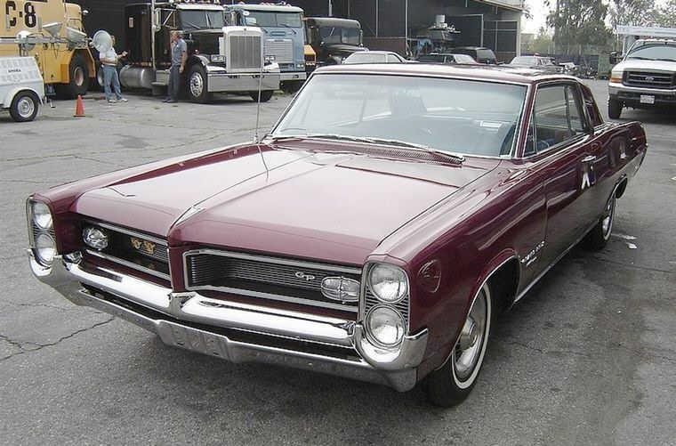 Front Left Maroon 1964 Pontiac Grand Prix Car Picture