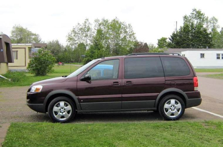 Left Side Burgandy 2008 Pontiac Montana Minivan Picture