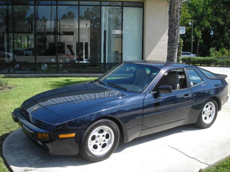 Front Left Dark Blue 1985 Porsche 944 Car Picture