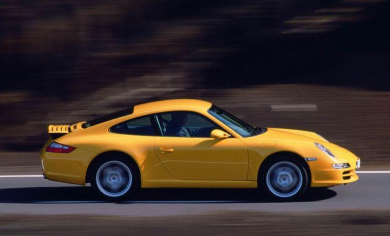 Right Side Yellow Porsche 997 Carrera Car Picture