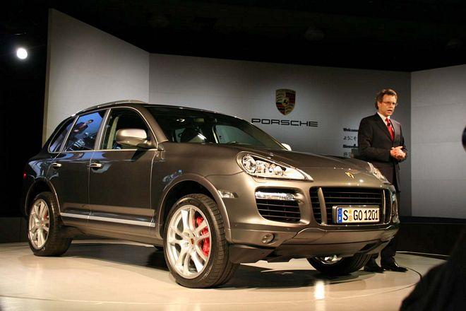 2008 Porsche Cayenne CUV Front Right Car Picture