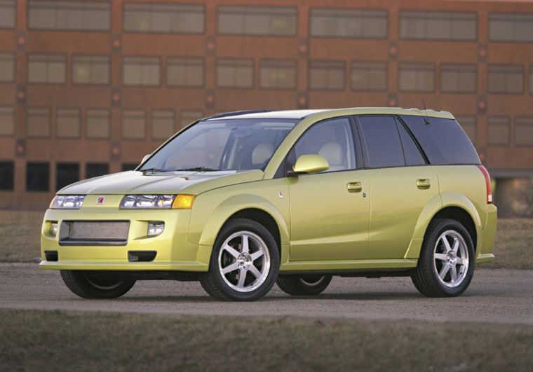 Front left yellow 2004 Saturn Vue Car Picture