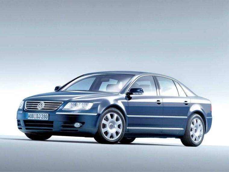 Front left blue 2006 Volkswagen Phaeton Car Picture