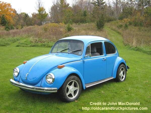 Front left blue 1972 Volkswagen Super Beetle Car Picture