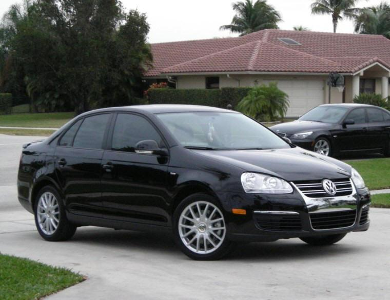Front Right Black 2009 Volkswagen Jetta Car Picture
