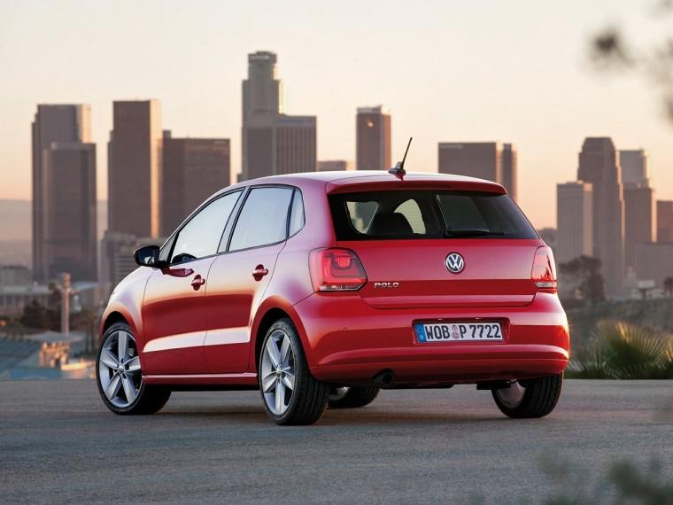 Rear Left 2010 Volkswagen Polo Car Picture