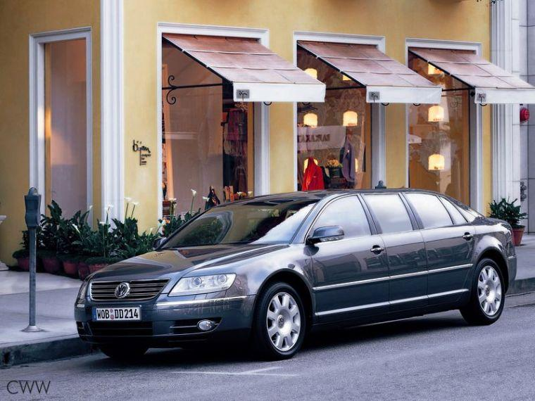 2005 Volkswagen Phaeton Lounge Front left Car Picture
