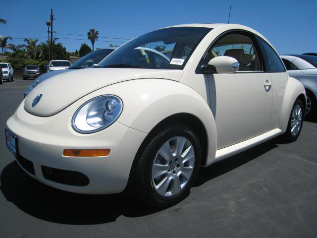 2008 Volkswagen Beetle Front left Car Picture