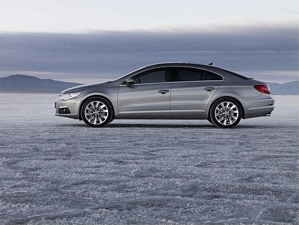 2009 Volkswagen Passat left Side Car Picture