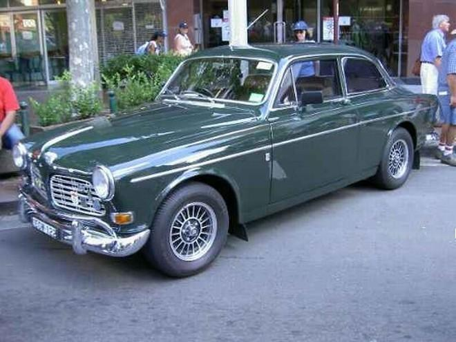 Front Left Green 1968 Volvo 122S Car Picture
