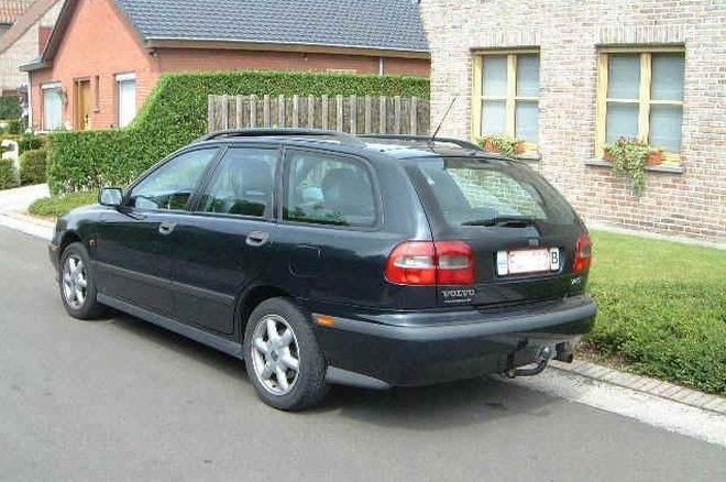 1995 Volvo V40 Station Wagon Picture