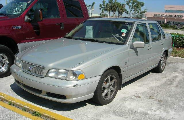 2000 Volvo S70 Car Picture