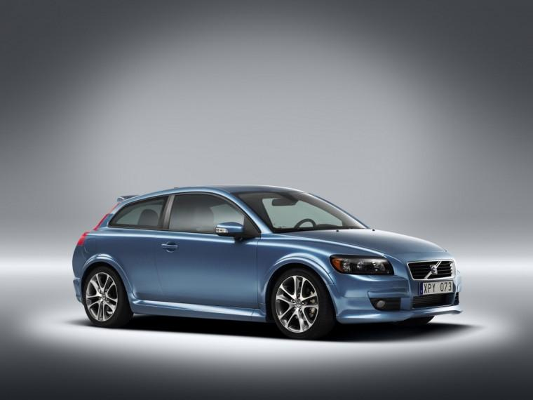 Front Right 2009 Volvo C30 Car Picture