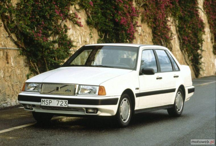 1989 Volvo 400 Car Picture