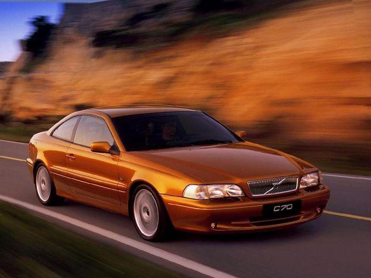 2004 Volvo C70 Car Picture